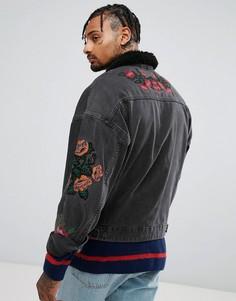 Выбеленная черная джинсовая куртка с вышивкой и воротником из искусственного меха ASOS - Черный