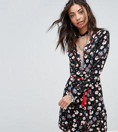 Чайное платье с цветочным принтом, запахом и поясом Glamorous Tall - Мульти
