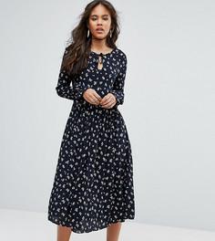 Приталенное платье миди с цветочным принтом, расклешенными рукавами и шнуровкой Glamorous Tall - Мульти