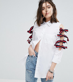 Рубашка с полосатыми бантами по бокам Glamorous Petite - Белый