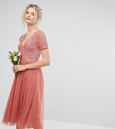 Декорированное платье с глубоким вырезом и юбкой из тюля Maya Tall - Розовый