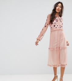 Платье миди с вышивкой, оборкой по краю и завязкой Frock And Frill Tall - Розовый