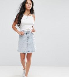 Джинсовая мини-юбка с заклепками и эффектом кислотной стирки New Look Petite - Синий
