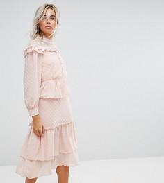Платье миди с эффектом металлик и многослойными оборками True Decadence Petite - Розовый
