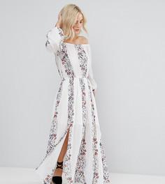 Платье макси с принтом и открытыми плечами Boohoo Petite - Белый