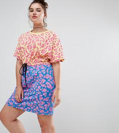 Платье мини с контрастным леопардовым принтом ASOS CURVE - Мульти