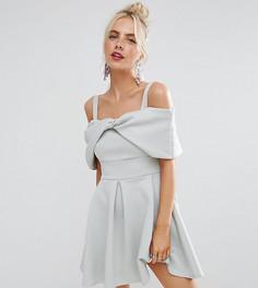 Короткое приталенное платье с открытыми плечами и отделкой в форме банта ASOS PETITE - Синий