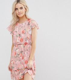 Короткое приталенное платье с цветочным принтом и оборками Boohoo Petite - Розовый
