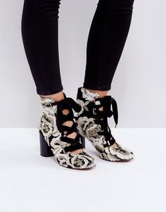 Полусапожки на шнуровке ASOS ETHELINE - Мульти