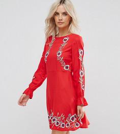 Короткое приталенное платье с вышивкой New Look Petite - Красный
