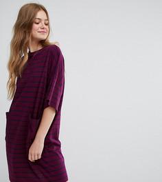 Свободное платье-футболка в полоску с карманами Monki - Мульти