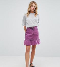 Джинсовая юбка с эффектом кислотной стирки и оборкой Monki - Розовый