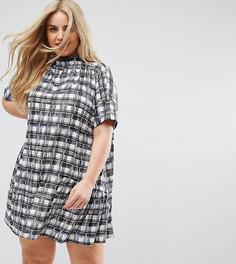 Свободное платье в черно-белую клетку ASOS CURVE - Мульти