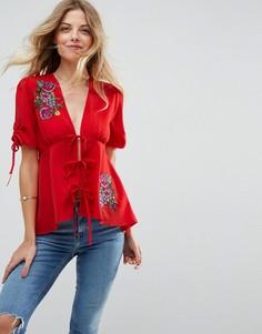Блузка с вышивкой и завязками ASOS - Красный