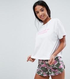 Пижамные шорты и футболка с принтом Girls Can Do Anything ASOS PETITE - Мульти