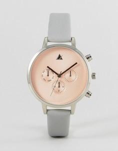 Часы с тиснением на циферблате ASOS - Серый