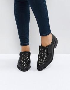 Черные кожаные туфли на плоской подошве с отделкой заклепками Sol Sana Nancy - Черный