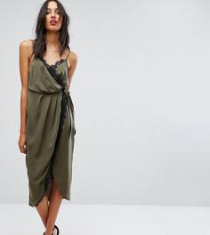 Атласное платье миди с запахом и кружевной отделкой ASOS TALL - Зеленый