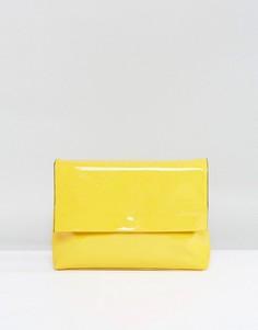 Клатч с лакированным клапаном ASOS - Желтый