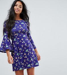 Чайное платье с принтом и оборкой на спине ASOS PETITE - Синий