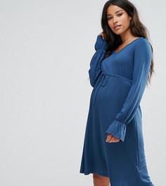 Короткое приталенное трикотажное платье с расклешенными рукавами Mamalicious - Синий Mama.Licious