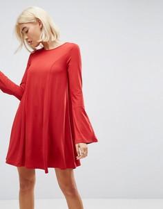 Свободное платье мини с декоративными швами и рукавами клеш ASOS - Красный