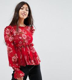 Красный свободный топ с оборками и цветочным принтом ASOS PETITE - Красный