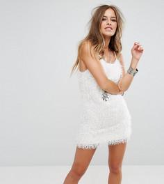 Платье на бретелях из пушистой ткани Glamorous Petite - Белый