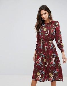 Платье миди с цветочным принтом и оборками на талии Ax Paris - Красный
