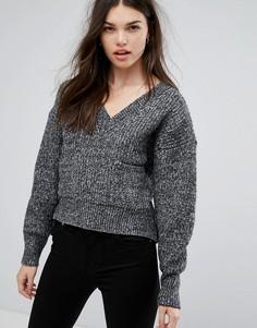 Серый джемпер с V-образным вырезом и карманом Girl In Mind Brook - Серый