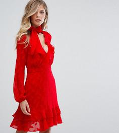 Короткое приталенное платье с оборками и завязкой на бант Dark Pink - Красный