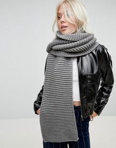 Серый длинный шарф Glamorous - Серый