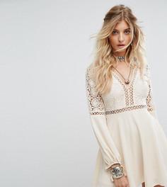 Платье с длинными рукавами, кружевными и решетчатыми вставками Kiss The Sky - Кремовый