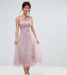 Платье миди для выпускного из премиум-кружева Chi Chi London Petite - Коричневый