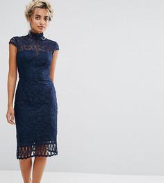 Кружевное платье-футляр с высоким воротом и короткими рукавами Chi Chi London Petite - Темно-синий