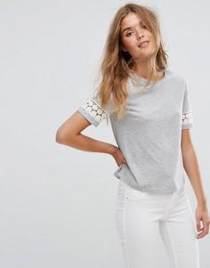 Укороченная футболка с кружевными вставками на рукавах Jack Wills - Серый