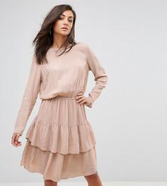 Платье с длинными рукавами и ярусными оборками Y.A.S Tall - Розовый