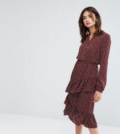 Платье миди с принтом и асимметричной оборкой Y.A.S Tall - Коричневый