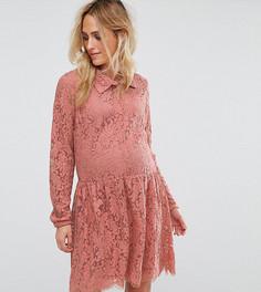 Кружевное короткое приталенное платье Mamalicious - Розовый Mama.Licious