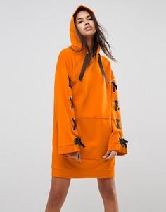 Трикотажное платье с капюшоном и завязками ASOS - Оранжевый