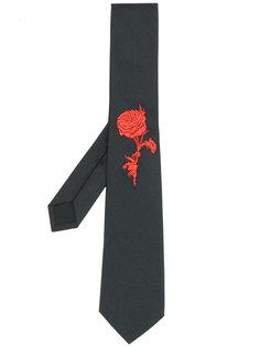 галстук с вышитой розой Alexander McQueen
