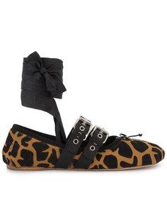 балетки с жирафовым принтом  Miu Miu