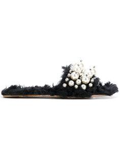 пушистые шлепанцы с декором из жемчужин Miu Miu