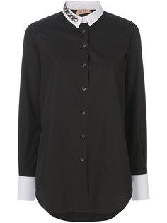 рубашка с контрастными манжетами и украшением из кристаллов Nº21
