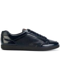 кроссовки на шнуровке с логотипом Prada