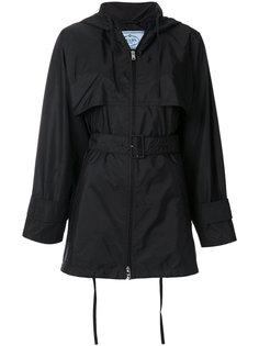 куртка с капюшоном и поясом  Prada