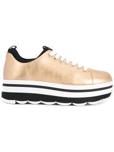 кроссовки на платформе Prada