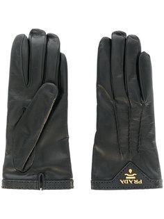 перчатки с логотипом Prada