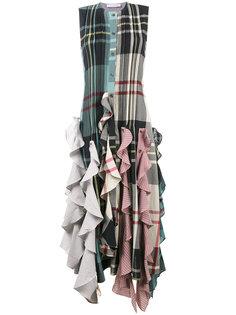 платье в стилистике пэчворк с рюшами на подоле J.W.Anderson