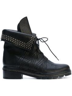 ботинки Yada с заклепками Stuart Weitzman